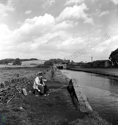 Fishing, Leeds-Liverpool Canal, Gargrave